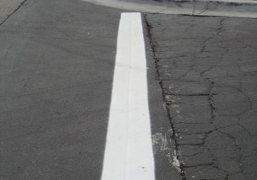 Cold applied liquid thermoplastic paint striping traffic for Solvent based glass paint